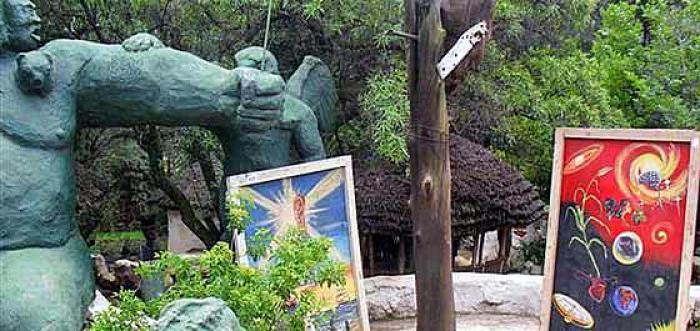 Credo Mutwa , a tour attraction in EGoli iNingizimu Afrika
