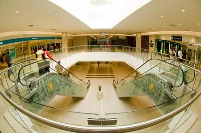 Balfour Park Shopping Centre, a tour attraction in EGoli iNingizimu Afrika