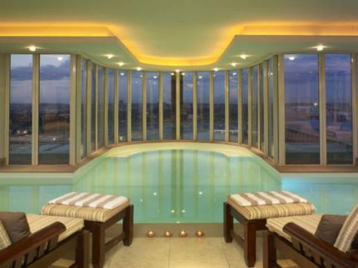 Intercontinental hotel OR TAMBO airport, a tour attraction in  iNingizimu Afrika
