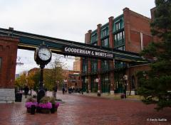 Distillery District Toronto, a tour attraction in