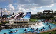 Canada's wonderland, a tour attraction in
