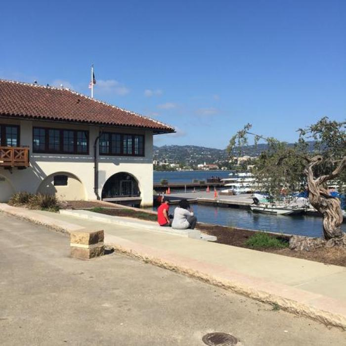 The Lake Chalet Seafood Bar & Grill, a tour attraction in Oakland United States