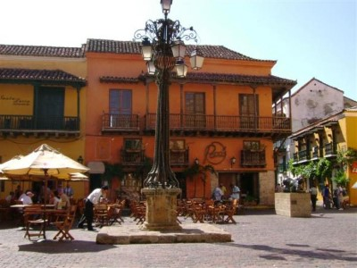 Plaza Santo Domingo, a tour attraction in Cartagena - Bolivar, Colombia