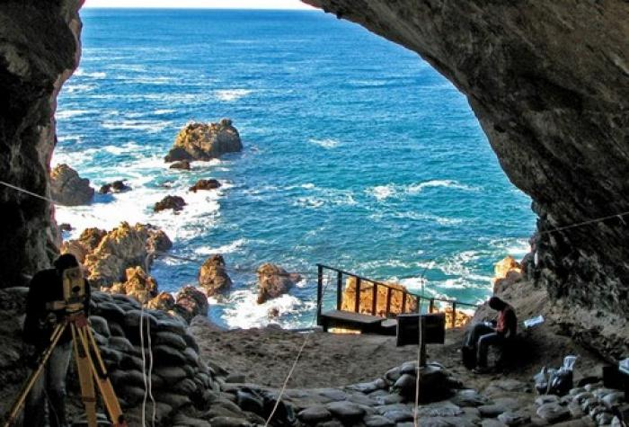 Pinnacle Point caves, a tour attraction in The Garden Route South Africa