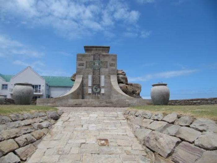 War Memorial, a tour attraction in The Garden Route South Africa
