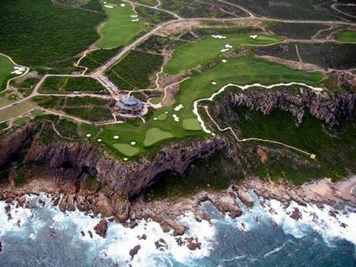 Pinnacle Point Main Beach and Golf Estate, a tour attraction in The Garden Route South Africa