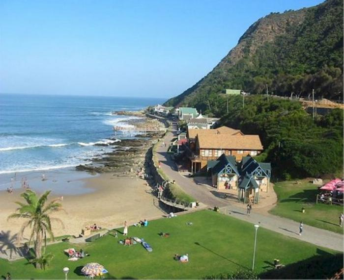 Victoria Bay, a tour attraction in The Garden Route South Africa
