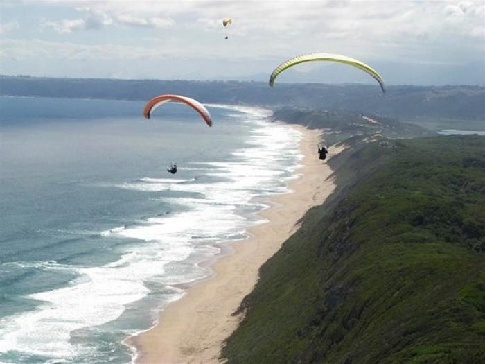 Cloudbase Paragliding, a tour attraction in The Garden Route South Africa