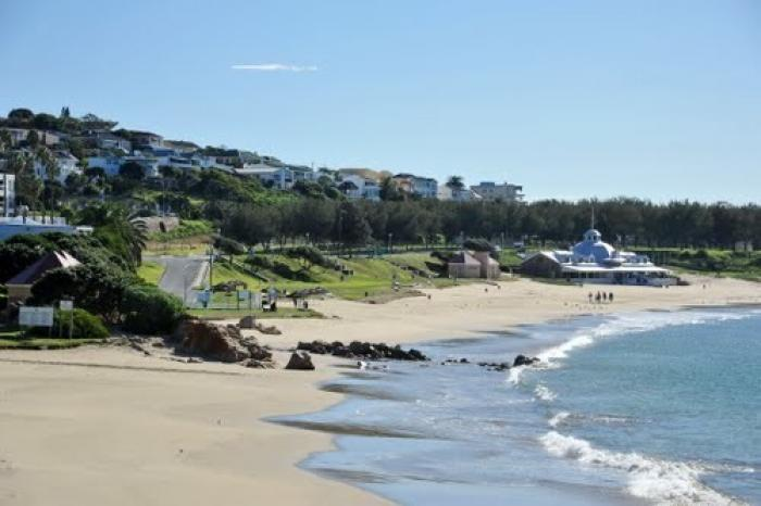 Santos Beach, a tour attraction in The Garden Route South Africa
